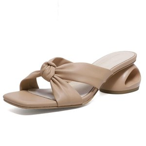 Mujeres Mules Slippers Fashion Newest Newest Genuine LeeHR Sandals para las mujeres Primavera Verano Fretwork Heels Bombas para