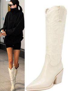 Chaussures de robe 2021 et bottes pour femmes Noir Blanc Cowhide avec fil à manches longues en cuir à manches longues