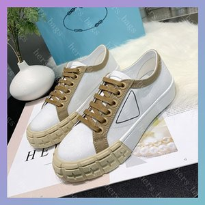 Womens Nylon Low Tops Sneakers Lady Fashion Casual Luxurys Designers Shoes Triple Black White Canvas Flat Bottom Women Party Trainer Hiphop