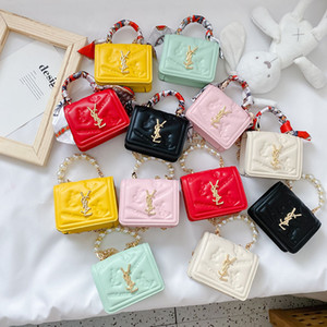 Kids Luxury Handags Kids Designer Messenger Bags Fashion Letter Plaid Scarves Pearl Change Purse Children Women Mini Bags F013