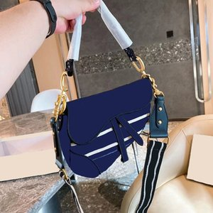 2021 Fashion Ladies Luxury One Shoulder Messenger Bag Printed Embroidery Chain Detachable Metal Pendant Handbag High Quality Classic Style