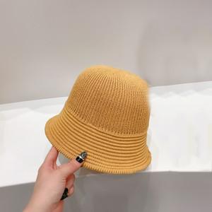 2021 fashion hot sale bucket hats high quality woven fisherman hats luxury designer caps hats women letter LOGO casual seaside sun hat