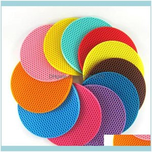 Textiles Home & Garden4Pcs 18Cm Round Heat Resistant Sile Mat Drink Cup Coasters Non Sliding Planter Tablecloth Kitchen Aessories Ye- Table