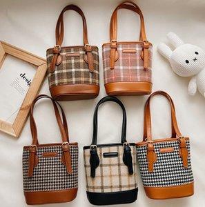 Fashion children plaid handbags girls large capacity bucket bags kids Plover case messenger bag A7944