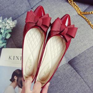 Chaussures de cuir verni de nœud 2020 Butterfly Femmes Slip sur Candy Color Chaussures Plat pour Femme Plus Taille 43 Douches Dames 79gg #