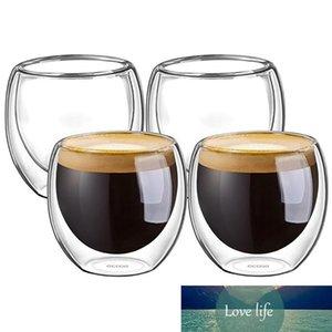 Двойные чашки стены изолированные выстрел стекло эспрессо чашки творческий питьевой чай латте кофейные кружки питьевые чашки виски виски