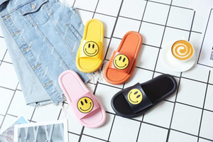 Comfortable Parent Child Bathroom Women Shoes Pvc Ladies Shower Slippers With Smile Plastic Upper Girls Indoor Outdoor Slippers. E6eA#