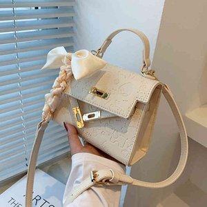 Advanced sense of foreign style small women's summer 2021 new fashion popular portable Kelly versatile messenger bag