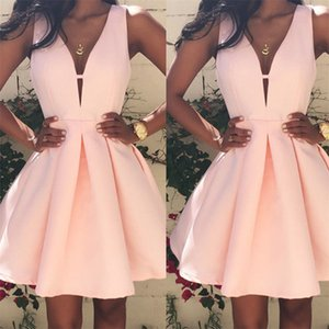 New Fashion Women Sexy V-neck Sleeveless Dress Hot Sale Ladies Pleated Party Cocktail Short Dresses Elegant Women Mini Dreeses