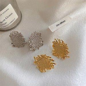 GSOLD Retro Geometrische Metall Unregelmäßige Gewebe Textur Ohrstecker Elegante Aushöhlen Legierung Ohrring Frauen Party Modeschmuck1 9 R2