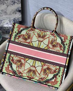 2020 Nuevas señoras Handbags de gran capacidad París Diseñador Bolsos Moda Retro estilo étnico lienzo hecho a mano bordado patrón bolsa de compras