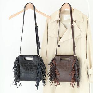 Новый кисточкой Краткое Классические сумки женские Женщины Trend Bag Bag Tassel Сумки Женщины Дамы Ежедневные мешки для бахрома Стильные сумки для рук Стильные сумки C0225