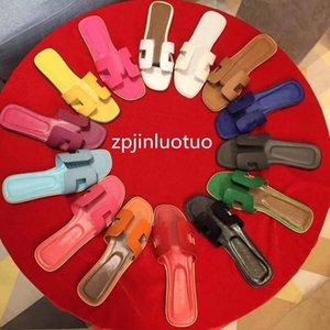 Zapatillas de verano de cuero de alta calidad Slippers de fondo plano de mujer coloreado al aire libre zapatos de playa Sandalias de playa grande 36-42