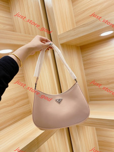 2021 Fashion Ladies shoulder bag, ladies hand chain handbag presbyopia messenger wallet design handbag canvas wholesale love