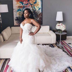 Robe de mariée de la sirène africaine Sweetheart dentelle Appliques Plus Taille Robes de mariée en cascade Volants Balayer Train Robes de mariée Vestidos