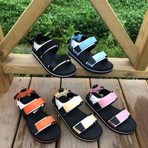 Роскошные дизайнерские женские туфли на липучке плоский пляж Удобные сандалии повседневная мода Путешествия формальная одежда для прогулок песок