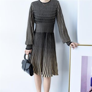 2021 New Autumn Wool Wool Dress a maglia Vita girocollo