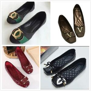 Chaud Sale 2021 Femmes Simple Chaussures Mode Prestige Tête ronde Chaussures Marque Haute Qualité Mocassins Chaussures Casual Taille 35 ~ 42 S20669