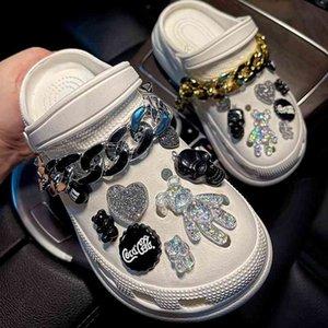 Crocses Charms Designer DIY Magia Cor Urso Horror Esqueleto Skull Sapatos Decaração para Croc Jibz Clogs Meninos Mulheres Meninas Presentes