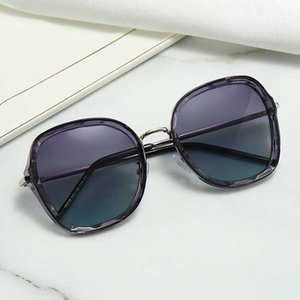 High Quality Brand Designers Womens Sunglasses With UV400 Fashion Eyeglasses Classic Styles 4Colors Outdoor Beach Top Sale