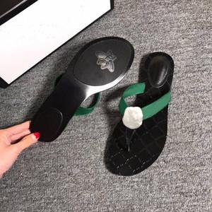 Zapatillas clásicas zapatillas de verano mujer zapatillas de playa letra flip chanclas plana tacón sandalias de metal tellpings lady size tamaño grande 35-42-45