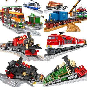 Ausini City Tren Train Model Building Blocks Wagon Cargo Carriage Passenger Train Station Tracks Locomotive Costruzioni Giocattoli X0127
