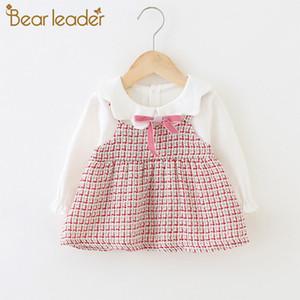 Bear Leader Baby Girl Costume 2021 Nouveaux filles Automne Robes mignonnes 6-24m Chlidren Plaid Plaid Robe de princesse avec nœud papillon Vêtements de printemps 210315