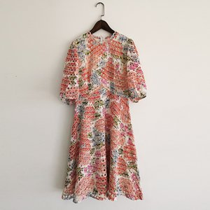 221 xl 2021 المدرج اللباس الربيع الصيف اللباس العلامة التجارية نفس نمط الإمبراطورية 3/4 كم طاقم الرقبة النسائية اللباس الأزياء جودة عالية yy