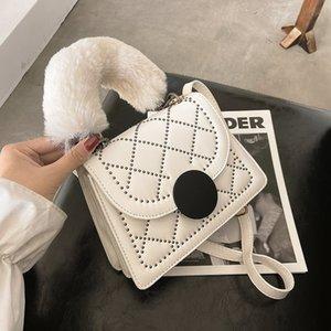 HBP Women Shoulder Bags Cross Body Bags Purse Fashion Diamond Lattice Rivet Decoration Smooth Surface Interior Zipper