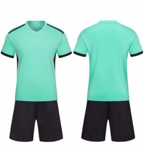2020 Nuevo equipo en blanco personalizado Jerseys de fútbol Set Venta al por mayor Tops personalizados con pantalones cortos de entrenamiento Jersey Short, Moda Corriendo Uniforme de fútbol 001