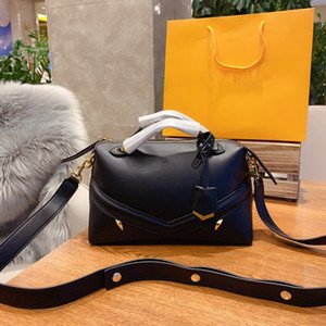 Women's bags 2021 new fashion leisure handbags high-quality all-match shoulder bags designer women's bags factory direct wholesale