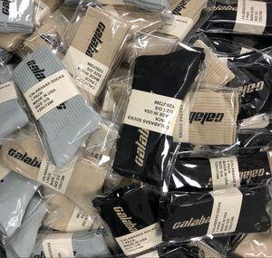 디자이너 양말 시즌 6 Calabasas 스케이트 보드 패션 망 편지 인쇄 양말 스포츠 양말 Sockings 힙합 CNY1570