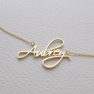 Personality Woman Name Custom Necklace Golden Cursive Letter Pendant Couple Stainless Steel Romantic Gift BFF