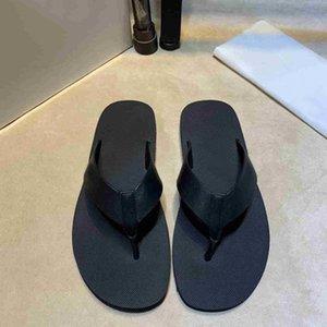 2021 Diseñador Diapositivas Hombres Flip Flaops Cuero Sandalia Negro Blanco Zapatillas Sandalias de playa de verano con caja US1