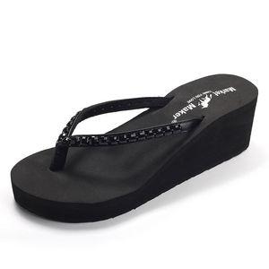 2021 Été Nouveau strass Haute Chaussons High Heel Pantoufles Flangs Dames Casual Plage Casual Bas Sandales non glissées Femmes Chaussures