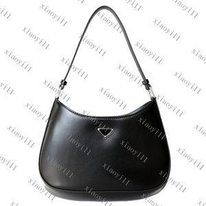 Nuevas bolsas de hombro Cleo Bolsa de axila Bolsos de hombro Bolsos Bolsos de Crossbody de alta calidad Decoración en forma de corazón Tarpaulin Bolso de cuero genuino