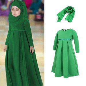 2021 Nuovo Medio Oriente Arabo Dubai Dubai Bambini Abbigliamento Abbigliamento Ste musulmano Abaya + Hijab Head Sciarpa Costumi tradizionali islamici Long 700 V