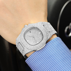 2021 Men Fashion Watch 45mm Stainless Steel Design Watches Shinning Diamond Full Iced Out Watches Quartz Movement Sport Wristwatch