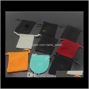 Nueva Clase C Brand Jewelry Gift Designer V Caja de la bolsa para mujeres Hombres Pulsera de acero inoxidable Brazalete Anillos Collar Bolsa de joyería CSXS3 1ihdb