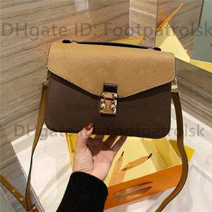 2021 Hot Nuevos Diseñadores de Lujos Bolsos Messenger Bag Women Totes Bolsos de moda Impresión Vintage Bolsas de hombro de alta calidad Bolsa Crossbody Classic