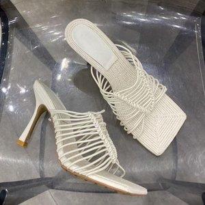 2021 Verão Novos Sapatos Mulheres Branco Elástico Sandálias Sandálias Slides Quadrado Toe High Heel Slipper Party Party Wear Shoes elegante