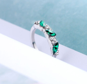 New Vintage Ring Decorated By Flash Crystals Women Fashion Jewelry Drop Shipping ps0259