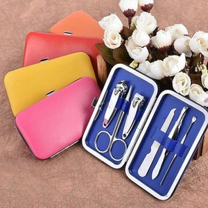 6 Pcs set Nail Clipper Kit Nail Cutters Nail Tools lightweight Scissor Eyelash Tweezer Ear Pick Manicure Sets Gifts Party Favor WLL344