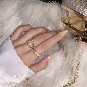 Licelips luxury queen style ~ advanced t-button open index finger ring