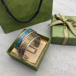 Designer Bracelets Retro Classics Charm Bracelet for Man Woman Temperament 4 Color Top Quality