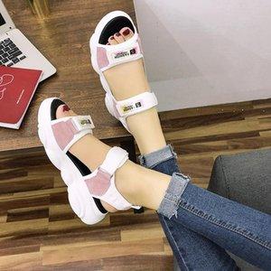 Femmes Sandales Sandales Casual Chaussures Equip Bas respirant Dames 2021 Diaposibles Fashion Flats Plateforme Sandales d'été pour femmes