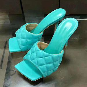 عالية الكعب البغال 2020 لون الحلوى الصيف الشريحة النعال اللباس شعرية الصنادل التطريز شاطئ أحذية النساء زائد حجم المطر الأحذية ل wo x7qo #