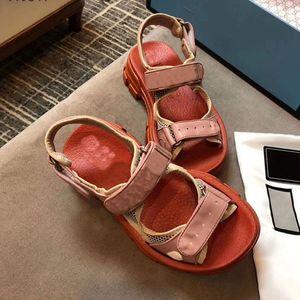 2021 heiße beliebte frauen sandalen dicke boden sandalen steigen boximiya national clan stil lammkin mode sommer vogue entspannte sandalen
