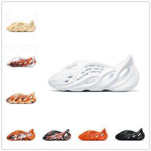 Foam Runner Kanye West Clog Sandals Triple Black White Slides Fashion Slippers Womens Mens Beach Sandals Flip Flops 36 -45