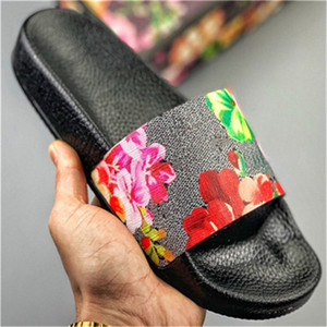 2021 Hot Sale Slides Summer Beach Indoor Flat Sandals Slippers House Flip Flops With Spike sandal hnye546